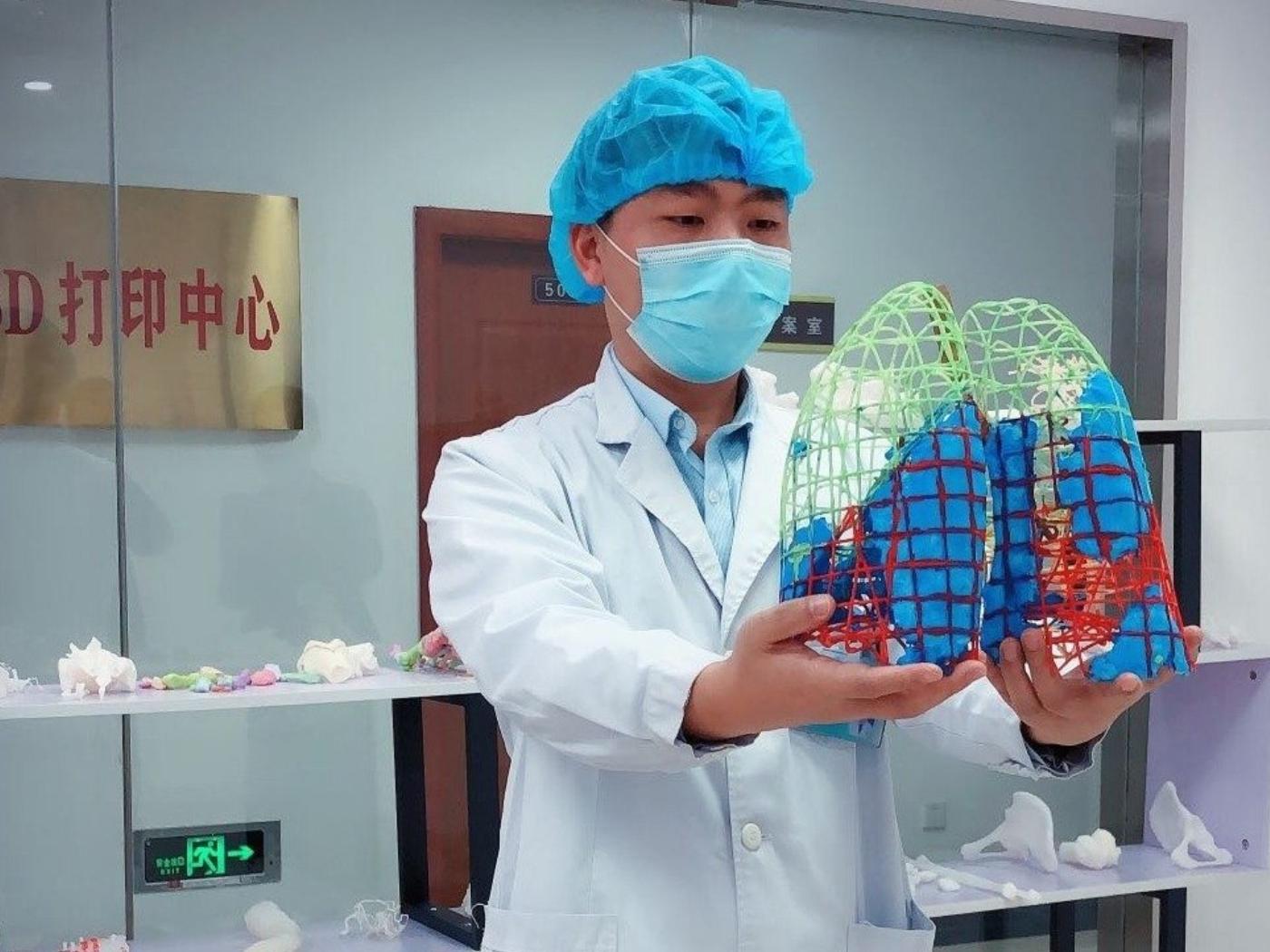 Çinli Doktorlar Coronavirus'e 3D Yazıcı ile Çare Arıyor