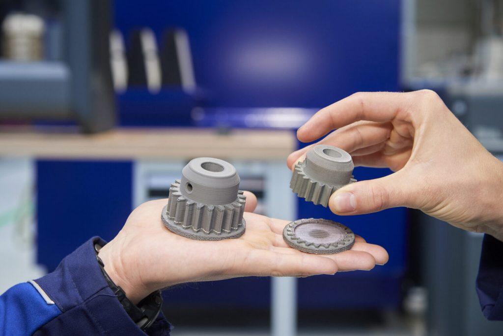 BMW Group sadece geçtiğimiz yıl 300.000'den fazla parçayı 3D baskı teknolojisiyle üretti.